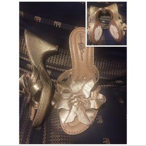 Born Crown Gold Flower Heels